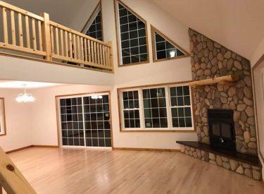 G&G Chalet Living Room