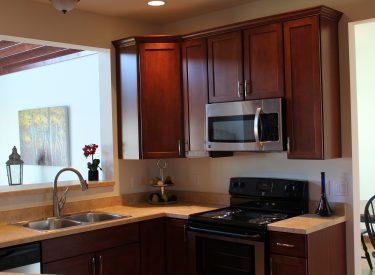 Cape Cottage I Kitchen Sink, Range, Microwave